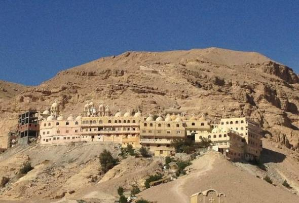 Day Trip to Monastery of Saint Anthony & Saint Paul in the Eastern Desert of Egypt